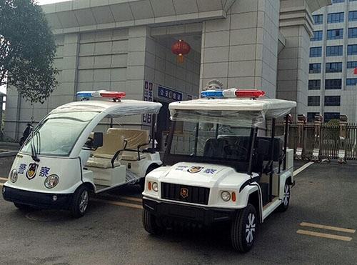 公安巡逻车