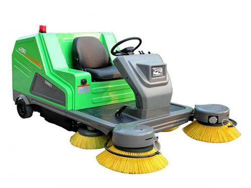驾驶式电动扫地车DQS12(A)